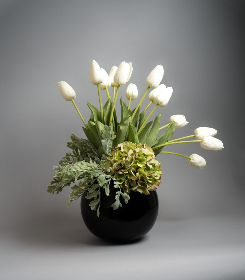 white tulip flower arrangement